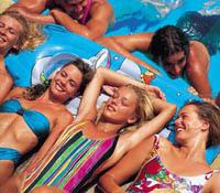 Vuelos a Menorca: relájate en sus bellas playas.